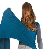 Bring the wrap back up onto your free shoulder, still holding onto the top side.